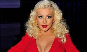 Christina Aguilera tái xuất rực rỡ sau khi sinh
