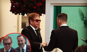 Lễ cưới lãng mạn của Elton John và bạn đời đồng giới
