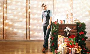 Chọn trang phục Giáng sinh với MC Công Tố