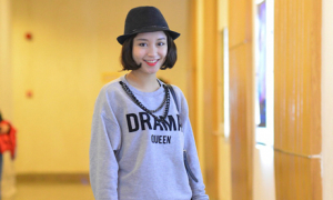 Hot girl Mi Vân trẻ trung, xì tai như gái 18