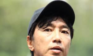 HLV Miura siết kỷ luật, cấm cửa truyền thông