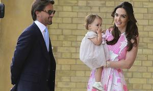 Con gái tỷ phú F1 cuốn hút trong bộ váy của Vic
