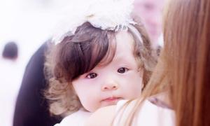 Con gái Elly Trần xinh như thiên thần trong tiệc sinh nhật