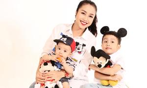 Ốc Thanh Vân nhí nhảnh bên hai con trai