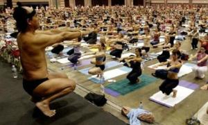 Thầy yoga phải nộp phạt 7,5 triệu USD vì quấy rối tình dục