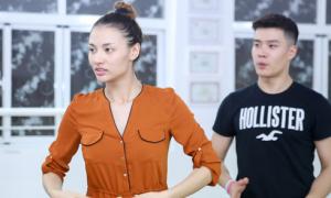 Hồng Quế để mặt mộc đi tập khiêu vũ