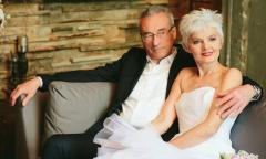 Bộ ảnh cưới kỷ niệm 14.000 ngày yêu của cặp đôi U70