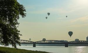 Sông Hương thơ mộng trong ngày hội khinh khí cầu