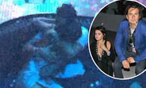 Selena Gomez say đắm trong vòng tay Orlando Bloom