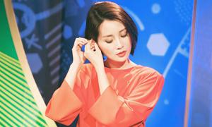 MC Việt xinh đẹp tất bật, thức trắng đêm cùng Euro