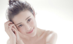 'Phan Kim Liên' Can Đình Đình bất ngờ đẹp dịu dàng