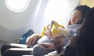 Bà mẹ sinh con trên chuyến bay từ Dubai đến Philippines
