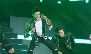 Noo Phước Thịnh biểu diễn hết mình ở Hàn Quốc