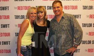 Rò rỉ bức ảnh Taylor Swift bị sàm sỡ vòng ba