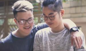 Chủ nhân hit 'Ông bà anh' song ca cùng giọng hát phi giới tính