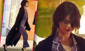 Selena Gomez sexy khác lạ khi mặc pyjama đi mua sắm