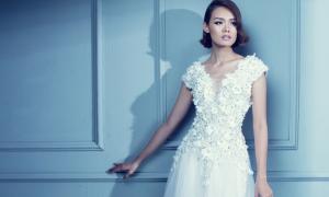 Váy trắng kết hoa duyên dáng cho đêm tiệc
