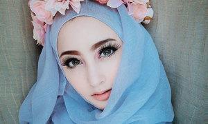 Bông hồng lai Trung Đông lấy chồng từ năm 16 tuổi