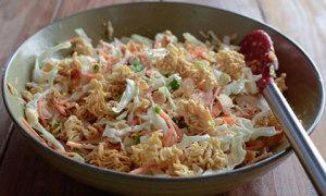 Salad mì ramen trộn cải bắp