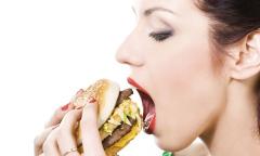 5 thói quen ăn uống sai lầm khiến bạn già trước tuổi