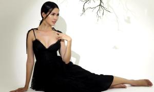 Phan Thị Mơ tự tin diện váy áo gợi cảm sau khi giảm 3 kg