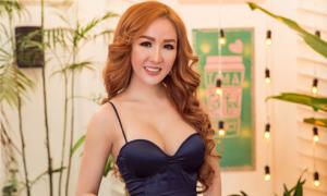 Người đẹp Hoàng Hải My khoe hình thể sexy với váy cắt xẻ táo bạo