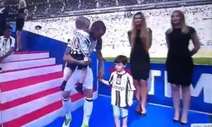 Mê Torino, con trai Bonucci khóc khi phải mặc áo Juve
