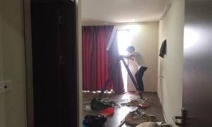 'Dở khóc dở cười' khi thợ lắp rèm chống nắng nhầm nhà