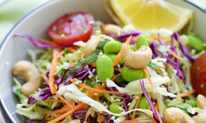 Salad hạt điều