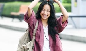 Lee Hyori mặc đồ xuề xòa, nhàu nhĩ khi về Seoul