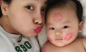 Con trai 3 tháng tuổi của Khánh Hiền bụ bẫm như sumo nhí
