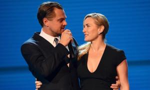 Kate Winslet và Leonardo DiCaprio ôm nhau tình cảm trong buổi hội ngộ