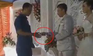 Đám cưới thời công nghệ, quẹt thẻ thay phong bì