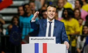 Ba tháng, Tổng thống Pháp chi 26.000 euro cho trang điểm
