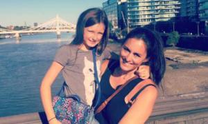 Cách mẹ đơn thân dạy con gái 9 tuổi hạnh phúc và phát triển toàn diện