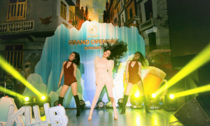 Bảo Anh diện bodysuit gợi cảm, nhảy sung trên sân khấu