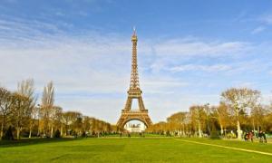 Giá vé khứ hồi hạng thương gia đến Paris từ 58 triệu đồng