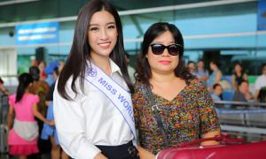 Mẹ Đỗ Mỹ Linh từ Hà Nội vào Sài Gòn tiễn con gái đi thi Miss World