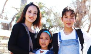 Diễn viên Linh Nga tự hào về hai con gái vừa xinh đẹp lại học giỏi