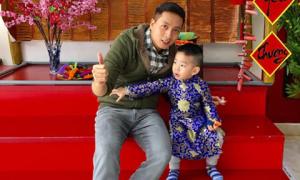 Ông bố Hà Nội chỉ nói chuyện với con 3 tuổi bằng tiếng Anh