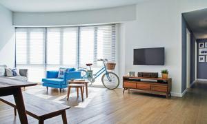 Vợ chồng 8X cải tạo căn hộ mang phong cách nước Anh cổ điển