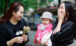 Phan Như Thảo bế con gái ra Hà Nội thăm bạn thân Ngọc Thạch