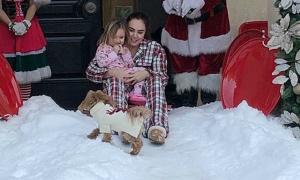 Con gái cựu ông trùm F1 nhập khẩu tuyết thật đón Giáng sinh