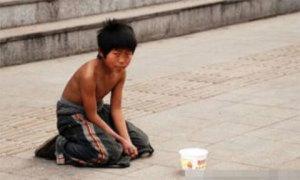 Chàng trai từng làm nghề ăn xin trở thành triệu phú tìm về báo đáp ân nhân