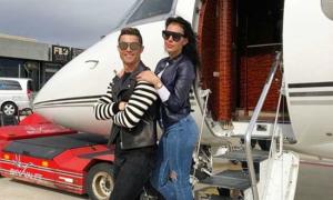 C. Ronaldo thổ lộ tình yêu 'sến' với bạn gái