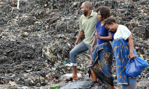 Núi rác ở Mozambique sập, vùi chết 17 người