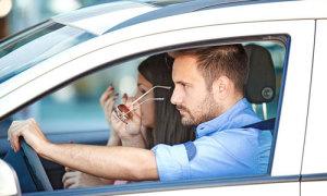 Vợ ly hôn vì bị chồng bắt trả tiền mỗi lần đi nhờ xe