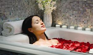 12 thành phần nên thêm vào nước tắm để làm đẹp da