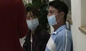 Lâm Tâm Như đưa Hoắc Kiến Hoa tới bệnh viện kiểm tra sức khỏe