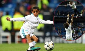 C. Ronaldo, Marcelo cho con trai xuống sân mừng vé vào chung kết Champions League